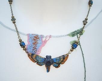 Moth Necklace Bronze/blue 4.5 cm