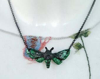 Moth Necklace Green 4.5 cm
