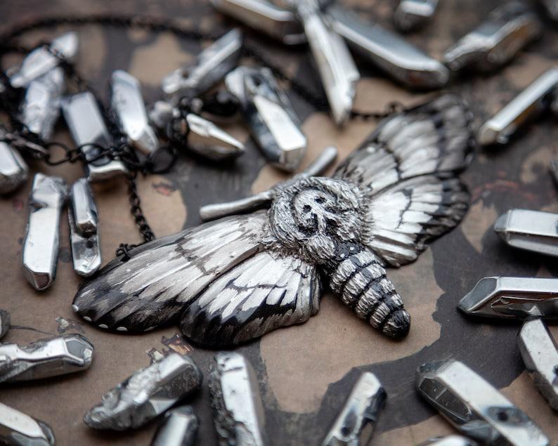 Skull Swarmer Necklace Silver