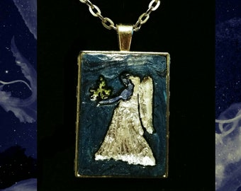 Virgo September Sapphire Pendant Necklace