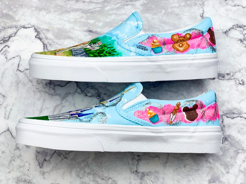 Disney Castle /& Lady and the Tramp Painted Shoes