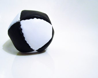 """Pila Luxuria """"Equilibrio"""" Leather Juggling Ball"""