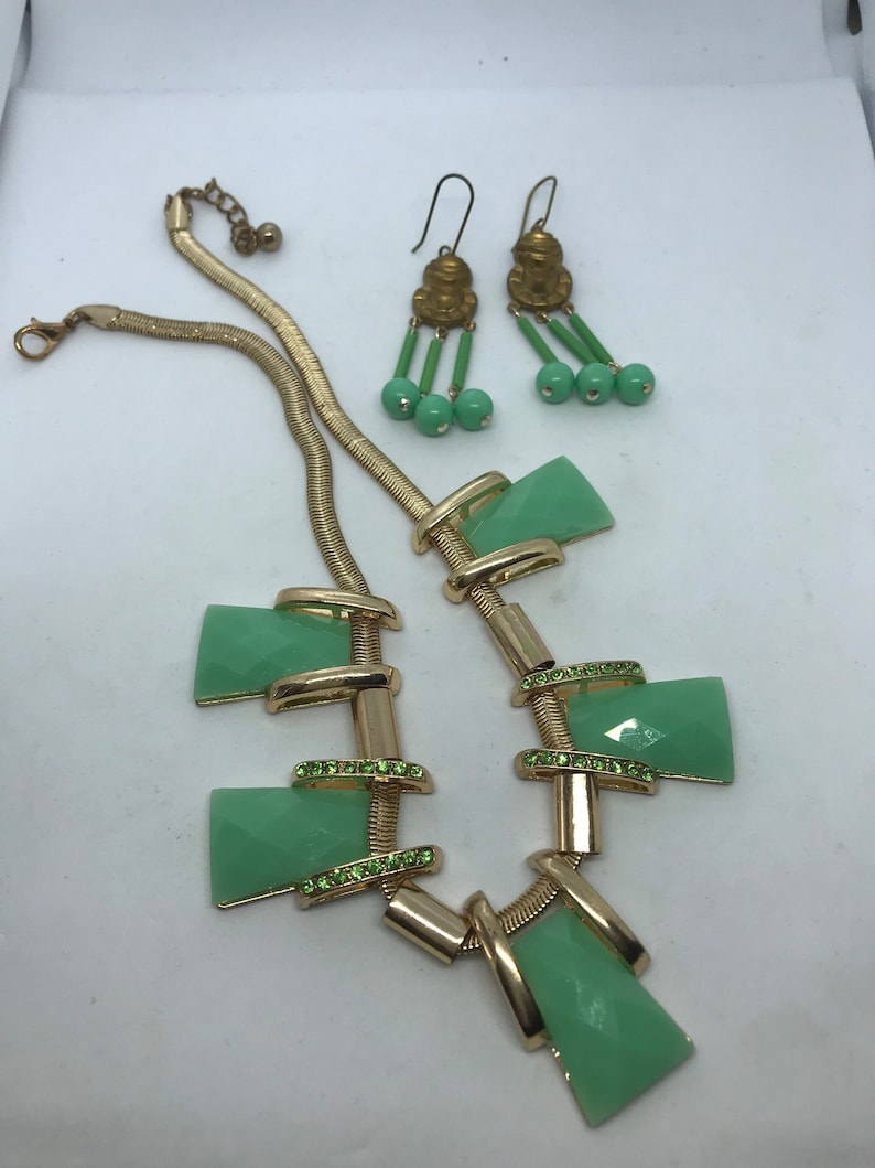 VIntage Gold Flex Light Green Lucite Necklace paired with Dangle Pierced Earrings