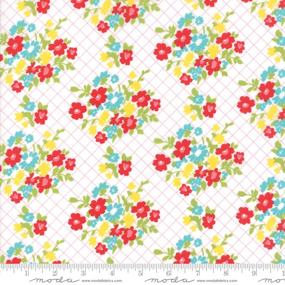 Moda MAMA/'S COTTAGE White Red Floral 24051 11 April Rosenthal QUILT FABRIC