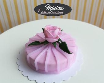 Miniature cake, 1:12 scale