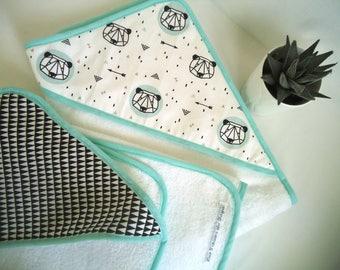 0992d2fc17e8 Cape de bain bébé, sortie de bain enfant 0 - 24 mois, motifs pandas ou  triangles, idée cadeau de naissance fait main, garçon ou fille