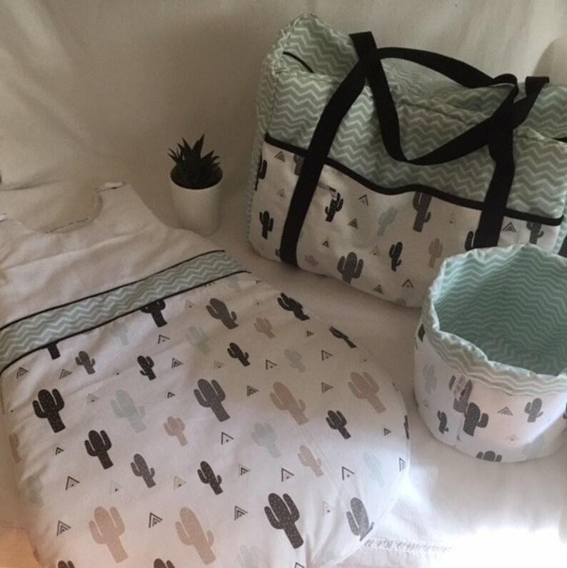 Gigoteuse turbulette bébé 0 - 6 mois, cactus et chevrons, déco chambre bébé  vert d\'eau et noir, cadeau naissance garçon