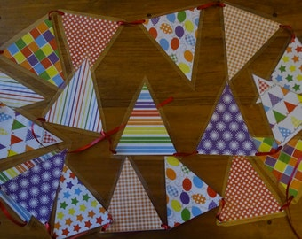 Rainbow Bunting, Bright colourful bunting