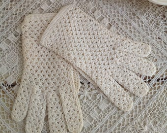 Vintage Pair of Cream Crocheted Gloves Lord & Taylor
