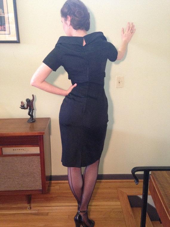 Vintage 1950s Black Velvet Lord /& Taylor Dress Size Medium