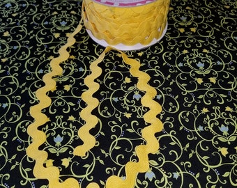 "3/4"" Riley Blake Design Sew Together Ric Rac-Yellow BTY"