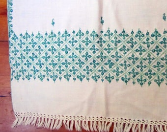 """60s 1960s Vintage Ivory EMBROIDERED PASHMINA Intricate Green Floral Motif  25"""" x 74"""""""
