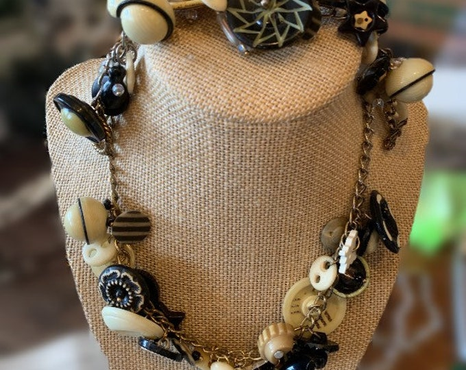 Beautiful matching Black and Cream Bakelite and Vintage Button Necklace and Bracelet Set!
