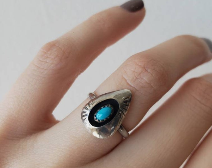 Vintage Native American Shadowbox Sterling and Turquoise Ring