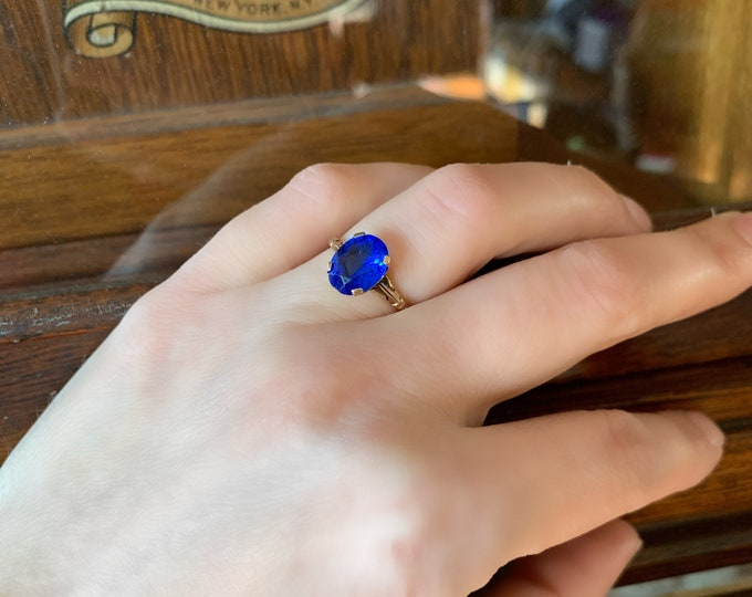 10K Yellow Gold Brilliant Blue Synthetic Sapphire Glass Ring