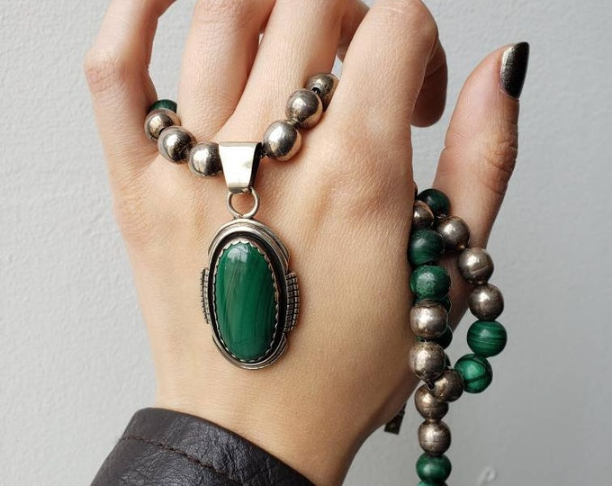 Stunning Sterling Silver and Malachite Beaded Necklace