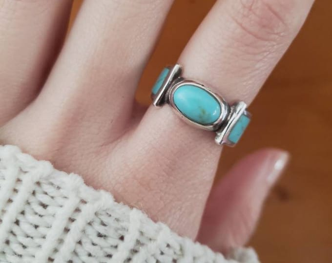 Geometric Turquoise Inlay Sterling Band with East/West Centered Oval