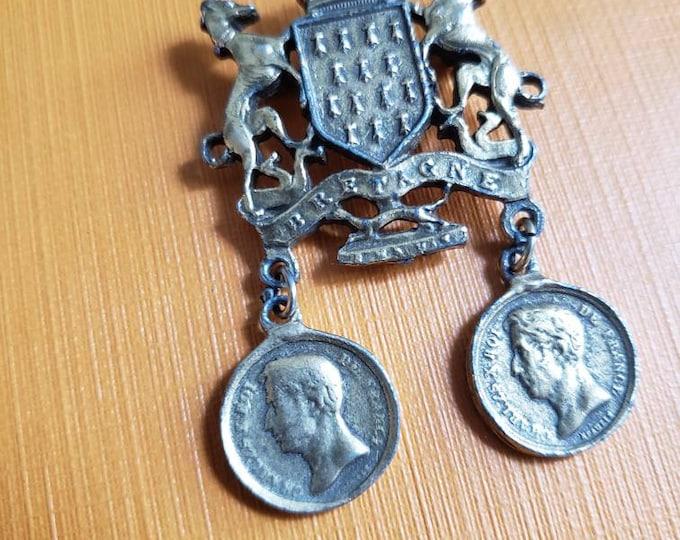 Vintage Coro Bretagne French Inspired Crest Pin