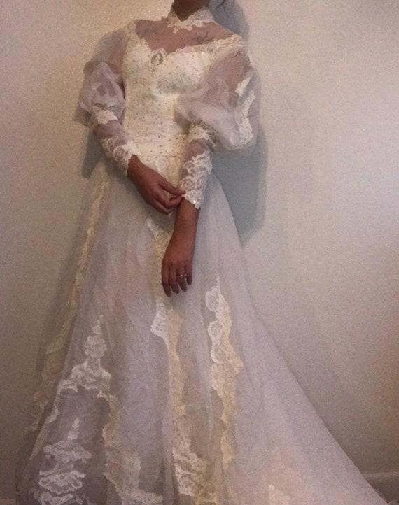 Vintage IGLWU Victorian Style Lace Wedding Dress