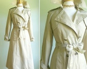 Vintage tan trench coat, fit and flare A line, dress or casual spring, fall light warmth blue, white plaid check liner