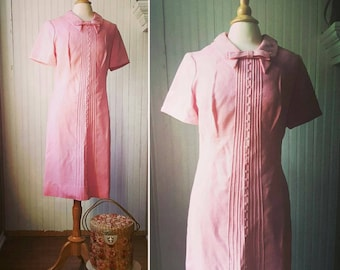 Buttons and bows: Vintage 1960s A-line pink dress, Peter Pan collar with bow, Wilshire of Boston, medium 10
