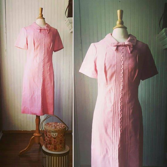 Vintage 1960s 60s pink dress, Peter Pan collar wit