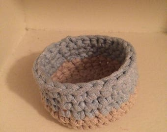 Crochet jewellery bowl