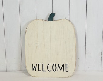 Rustic pumpkin wall decor - hello pumpkin - fall decor - Halloween decorations