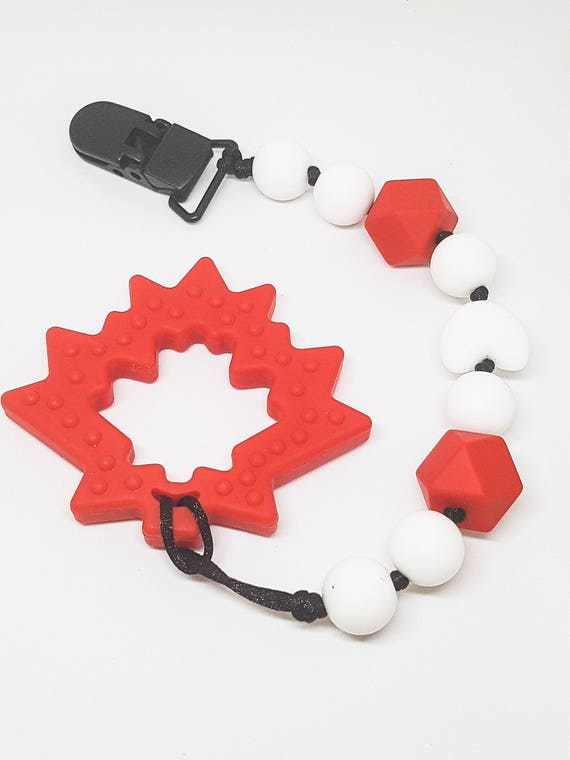 Canadian Maple Leaf Chewie Clip