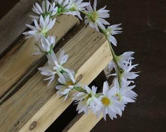 Adjustable Ladies White Daisy Flower Crown
