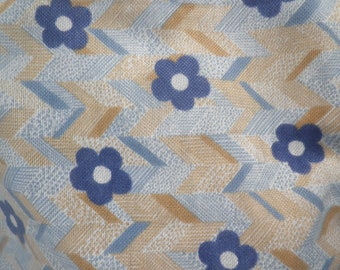 1960's blue daisy crimplene fabric, vintage fashion, retro print fabric, 1960's fashion