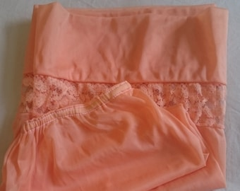 Half Slip Petticoat from the 1960s (size 10-12 Aus/UK & 5/US)