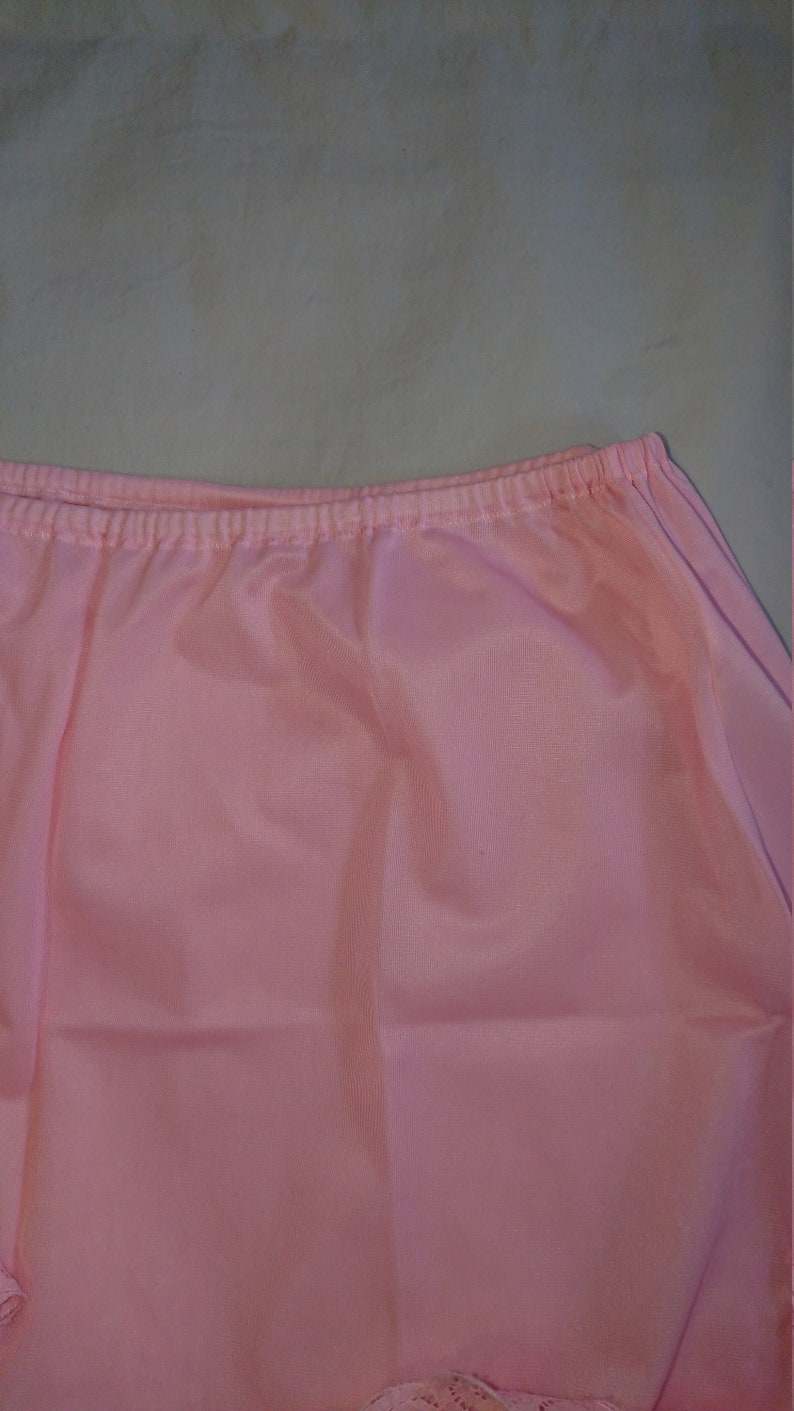 Half Slip Mini Petticoat by Warner/'s Lingerie size 12-14 AusUK /& 6-7US