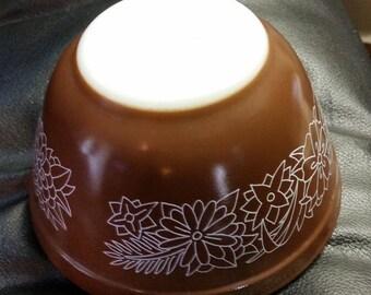 Pyrex Woodland 401 750ml brown bowl