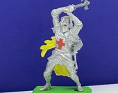 BRITAINS TOY SOLDIERS Deetail 1971 England uk metal plastic miniature vintage vtg mcm crusades crusader medieval knight axe throw ax armor
