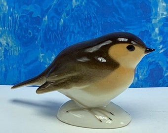 PORCELAIN BIRD FIGURINE made in Russia soviet union ussr sculpture  miniature statue hopping small robin sparrow siskin gold breasted vtg mcm 31c4b06c8