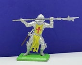 BRITAINS TOY SOLDIERS Deetail 1971 England uk metal plastic miniature vintage vtg mcm crusades crusader medieval knight pole spear helmet