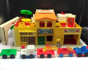 Garage Fisher Price : Fisher price garage nr er mit zubehör vintage parkhaus
