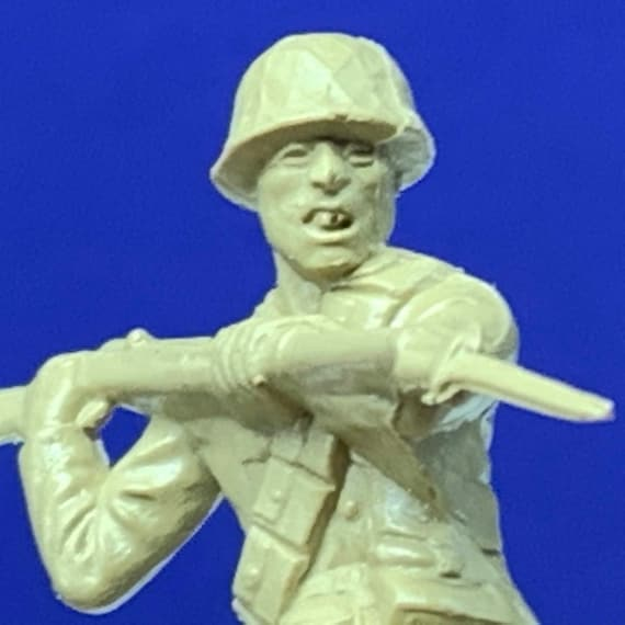 LOUIS MARX TOYS vintage military soldier ww2 world war 2 two wwii japanese bayonet japan pacific plastic 1963 vtg gold beige rifle gun usa 4