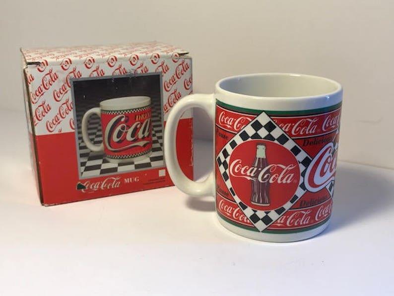 Vintage Cola Coca Blanc Froide Publicitaire Classique 1995 Mug Rouge Plume Originale Boîte Enesco Glace Pop Coke De Soda Coupe H2E9YWDI