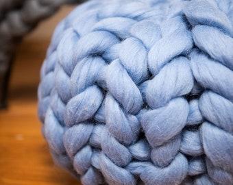 Chunky knit pouf Ottoman pouf Round pillow Chunky knit pillow Large round knit pillow Merino wool pillow Chunky wool pillow Home decor