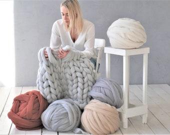 Christmas Giant chunky yarn Chunky yarn Arm knitting yarn 100 % merino wool tops yarn Wool roving Wool yarn bulky Knitting yarn Chunky knit