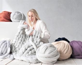 Merino wool roving Chunky yarn Super bulky yarn Giant yarn Arm knitting yarn Wool yarn Super chunky yarn Chunky knit Knitting yarn Gift