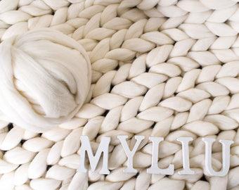 Chunky yarn Giant yarn Super bulky yarn 100% Merino Wool Arm knitting yarn Chunky knit wool roving Bulky yarn Super chunky yarn Gift for her