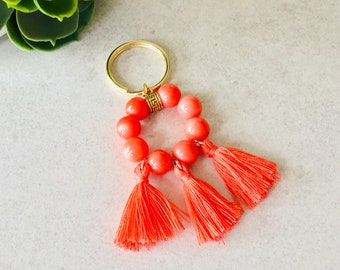 Keychain for woman 2019 coral amazonite keychain semiprecious stones with coral pompoms or white, keychain woman pompoms