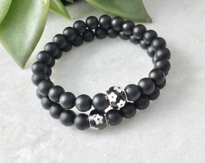bracelet onyx mat bille Pandora noir flowers white