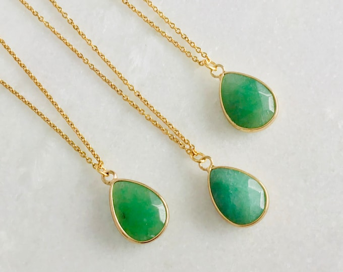 17 Gold chain Aventurine pendant, green Aventurine stone, pale green aventurine stone, brings healing and gives desire adventure
