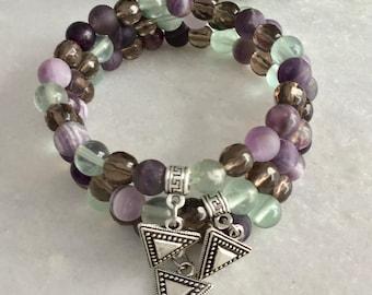 Empathe bracelet protection, empate benefits stones, hypersensitive benefits bracelet, amethyst and fluorite smoky quartz, triangular jewelr