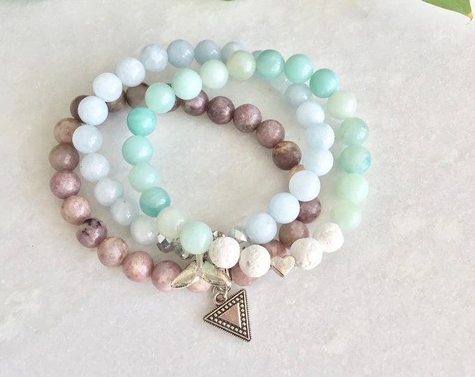 Lepidolite benefits, bracelet lepidolite triangle charm, anxiety bracelet, anxiety jewelry, stress bracelet, she calm and balance