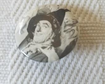 Vintage 1966 button of Scarecrow